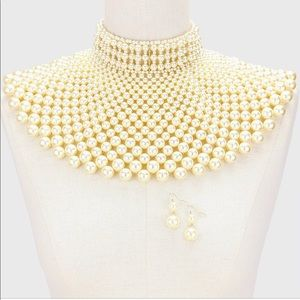 Accessories - Pear Bibbed Necklace